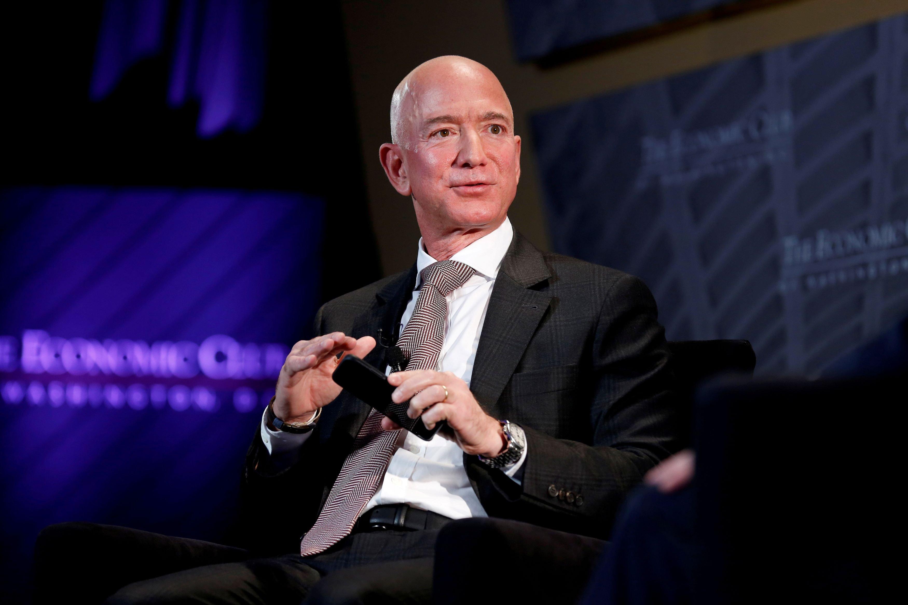 Arabia Saudí hackea el móvil de Jeff Bezos, fundador de Amazon
