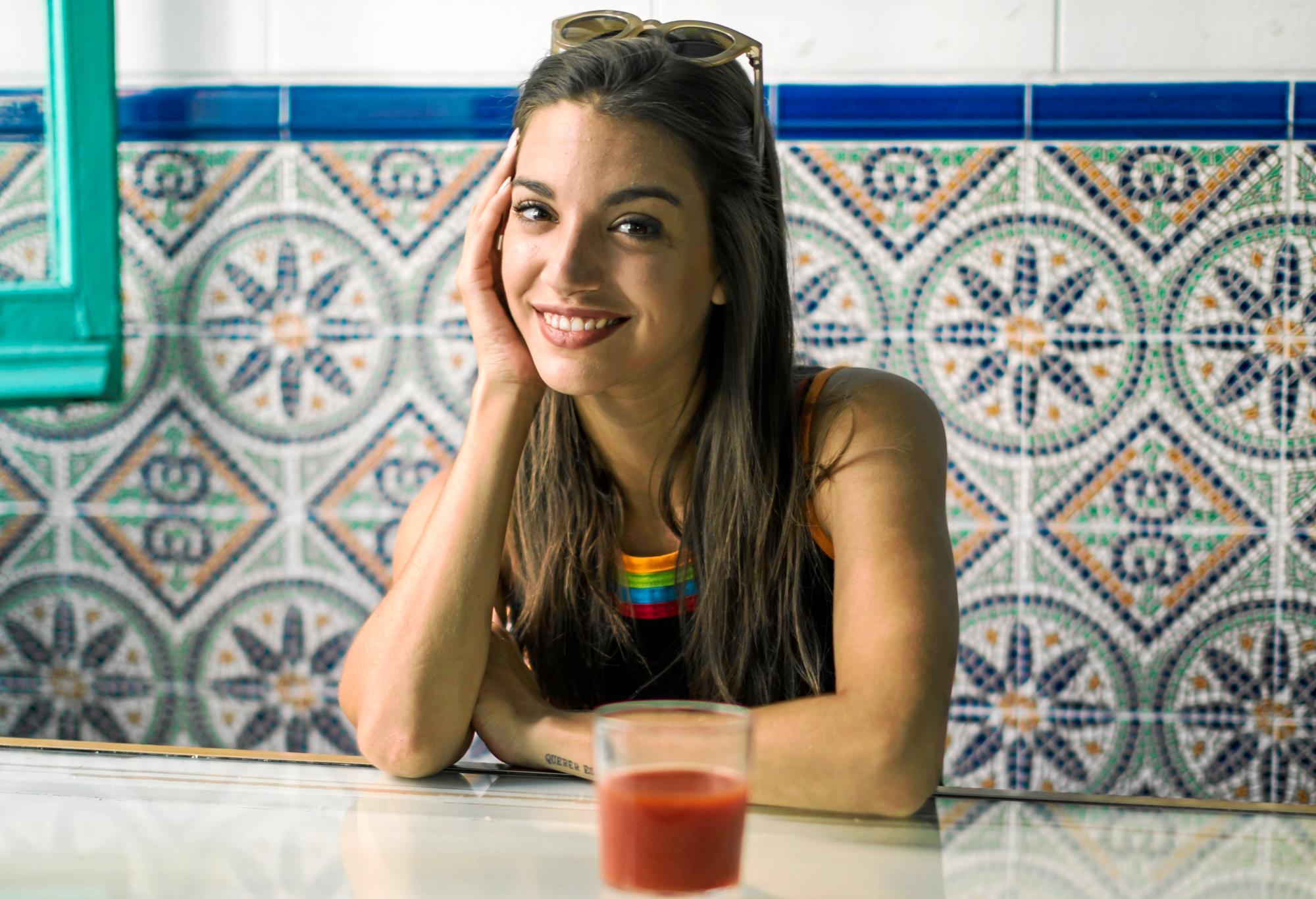 Ana Guerra se estrena como tatuadora