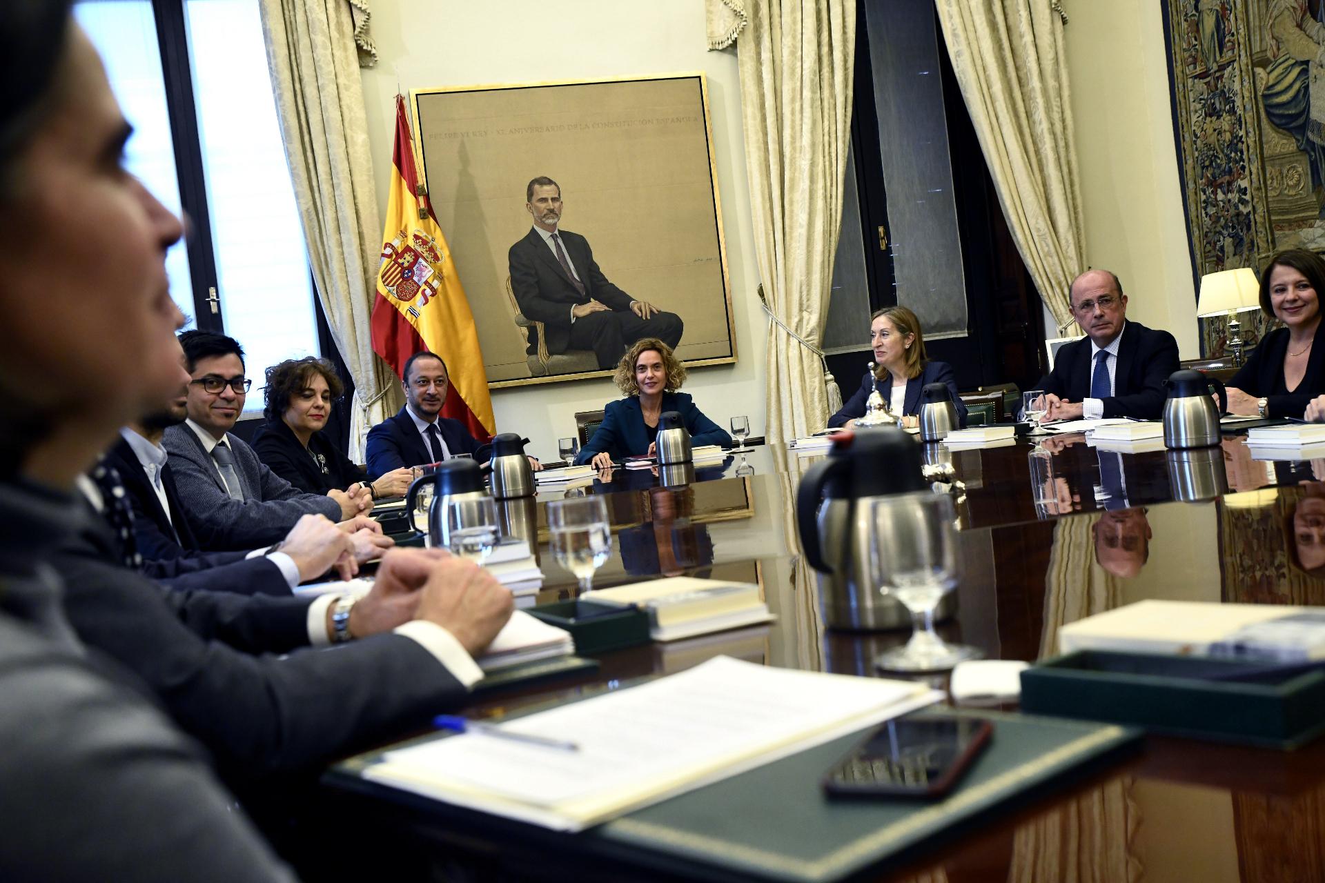 """Regionalismo o """"mini Frankenstein"""": las dos vías para partir el Grupo Mixto"""