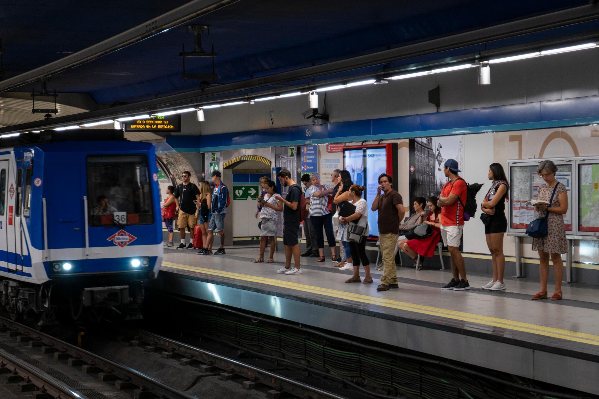 La Comunidad inicia los trámites para abrir el Metro 24 horas los fines de semana