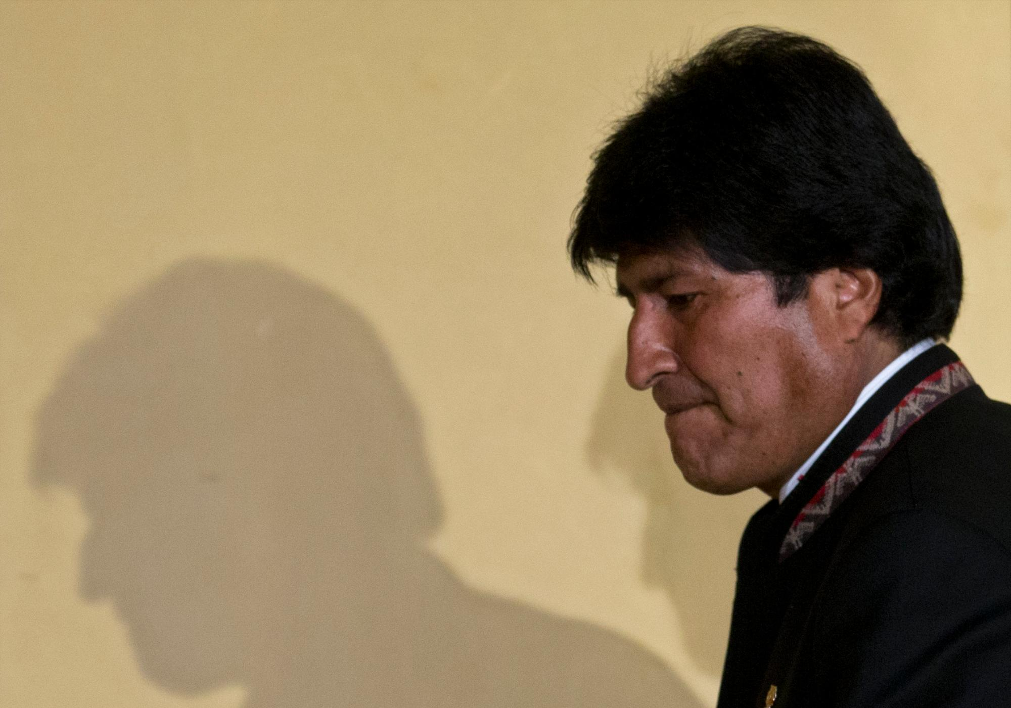 La dramática caída de Evo Morales, el líder indígena que acabó en caudillo