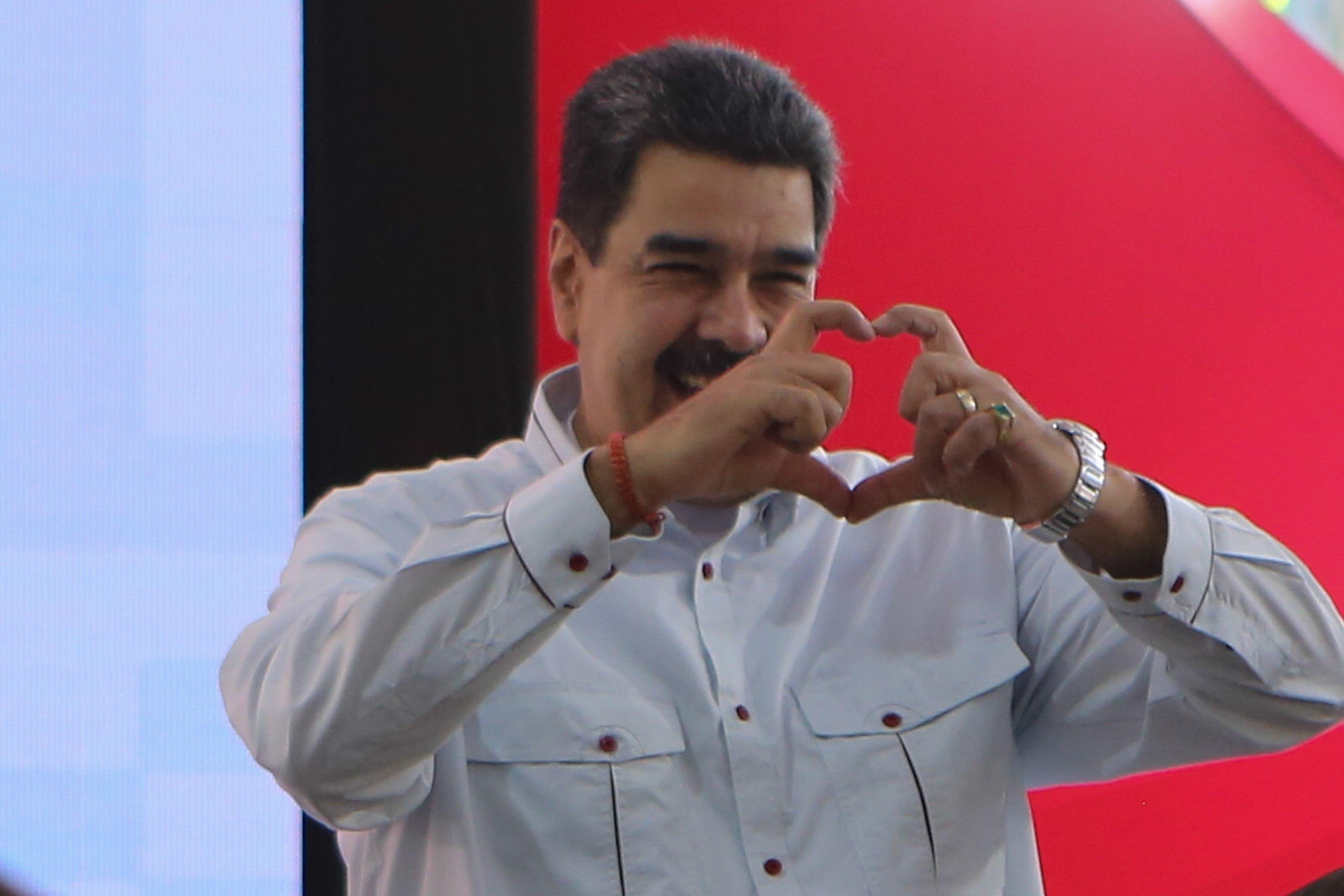 """Maduro dice que reunión del TIAR """"ha fracasado"""" y llama """"porky"""" a Iván Duque"""