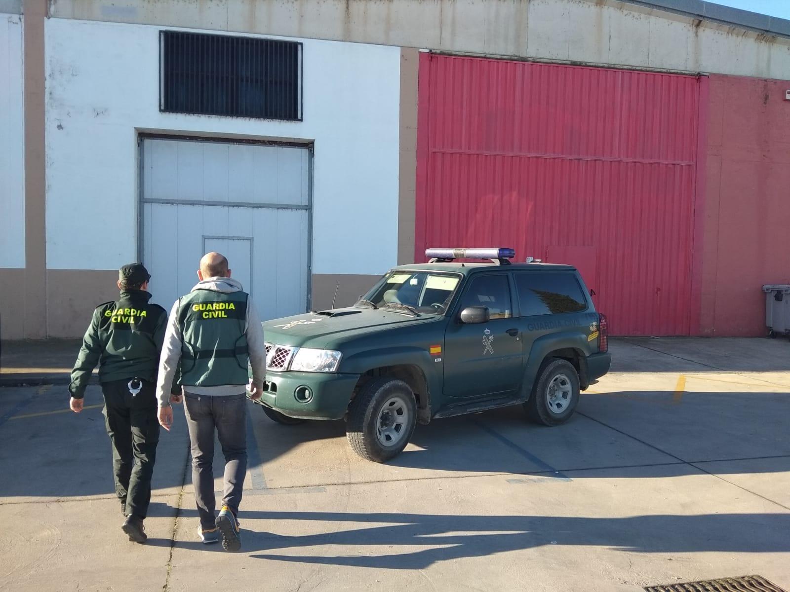 Sucesos.- La Guardia Civil detiene a un hombre por cuatro delitos de robo con violencia e intimidación en Peralta