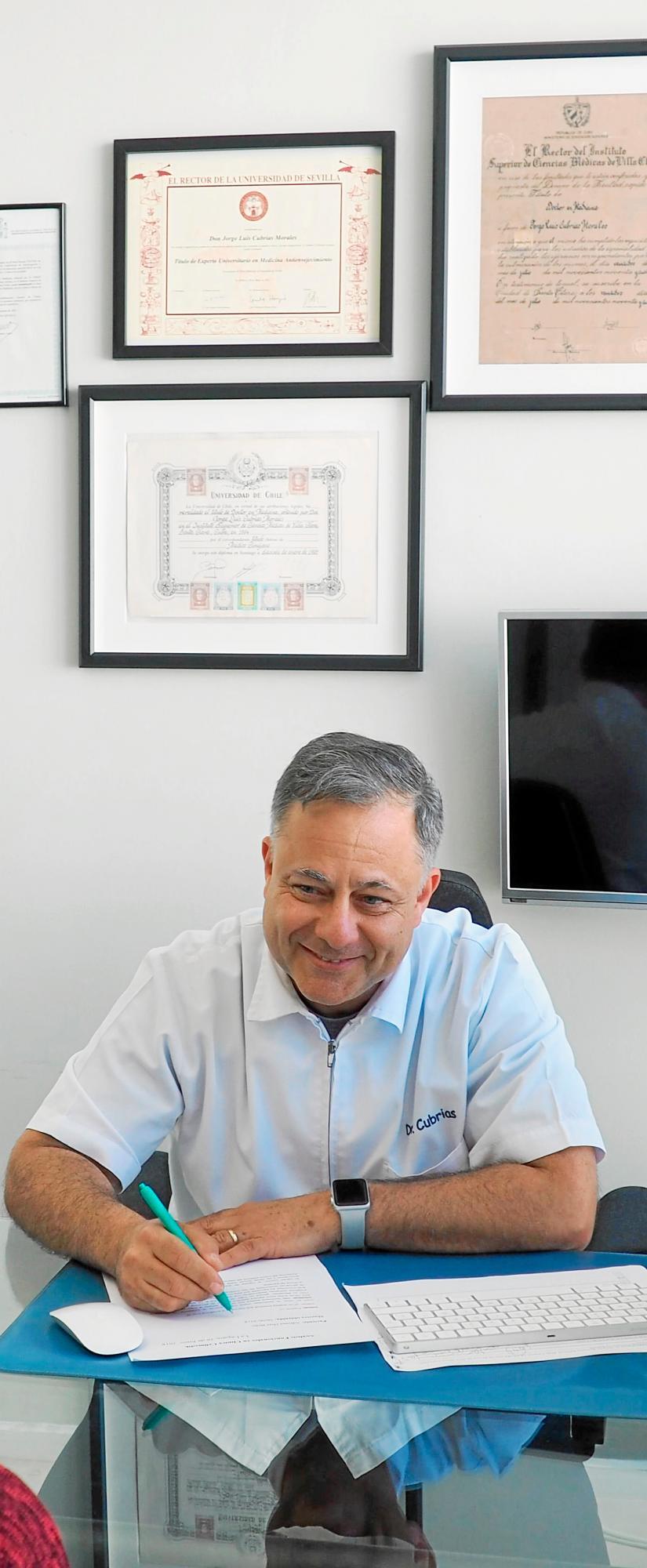 El doctor Cubrías, un prestigioso médico cubano formado en medicina Clínica