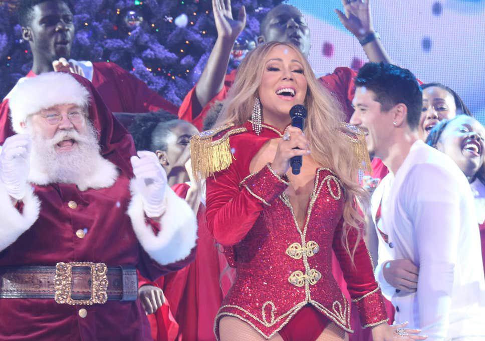 Mariah Carey se convierte en la única artista número 1 en cuatro décadas diferentes: 1990, 2000, 2010 y 2020