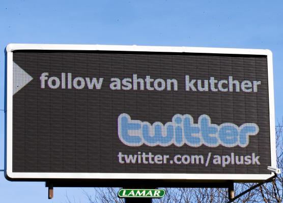 Ashton Kutcher y Demi Moore son los famosos más adictos al Twitter