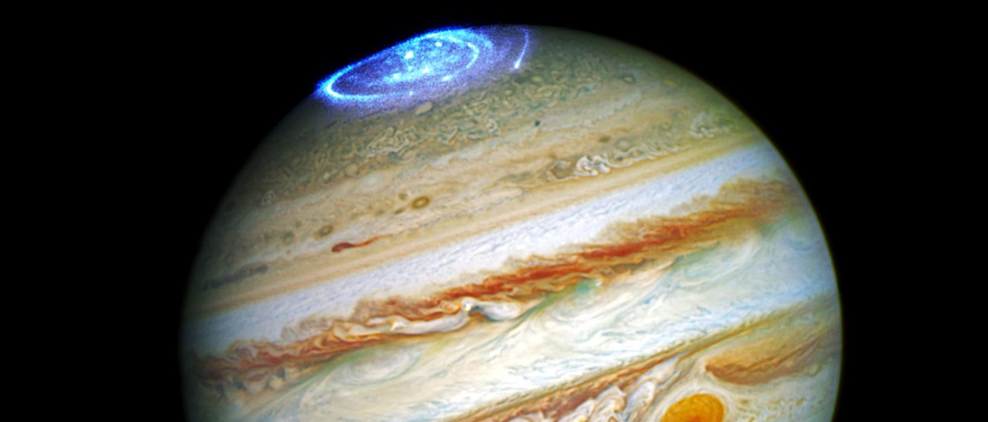 Auroras polares, más allá de nuestro planeta