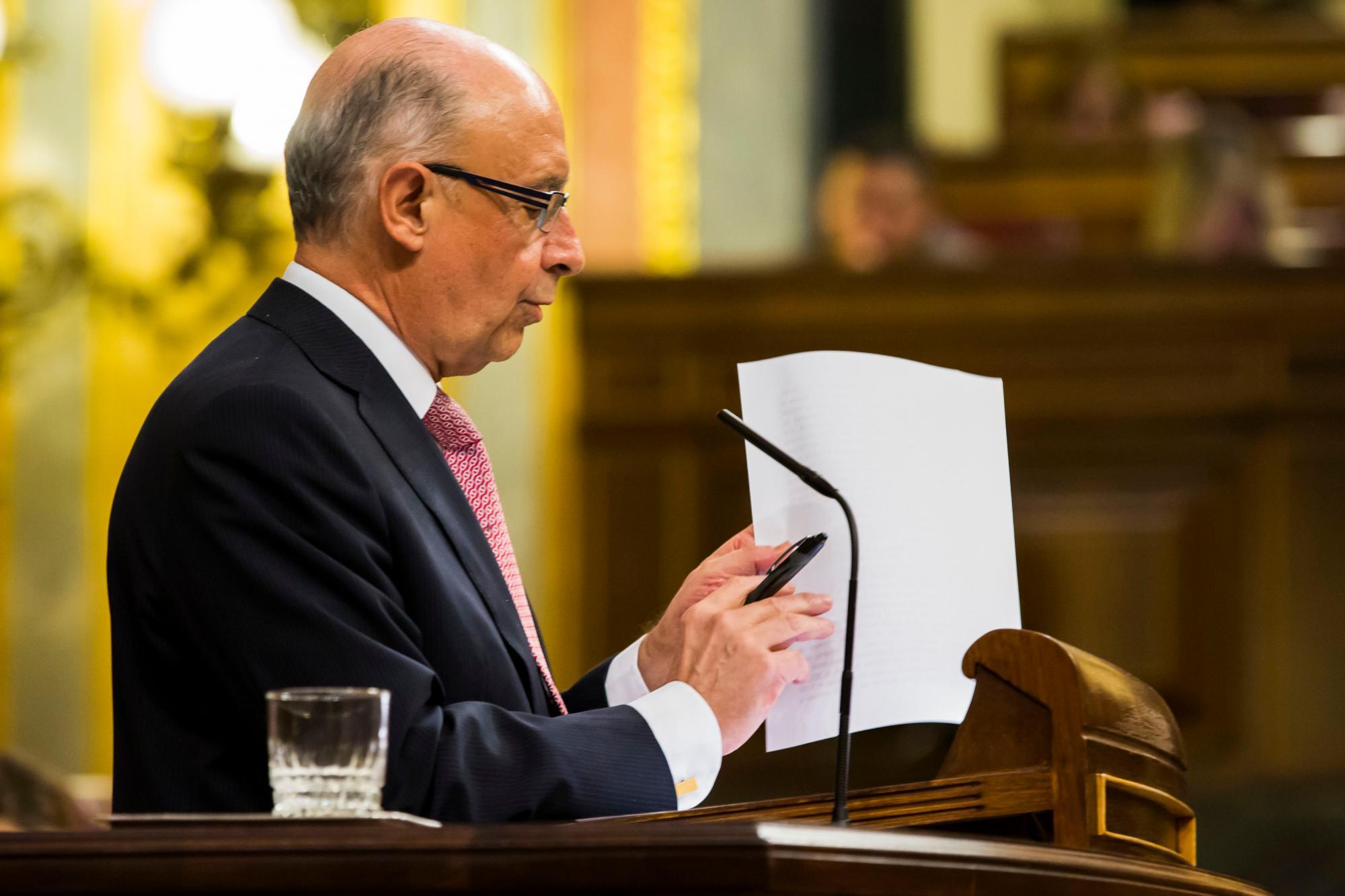 Cristóbal Montoro durante el Debate de los Presupuestos Generales del Estado en 2018 / Foto: Alberto R . Roldán