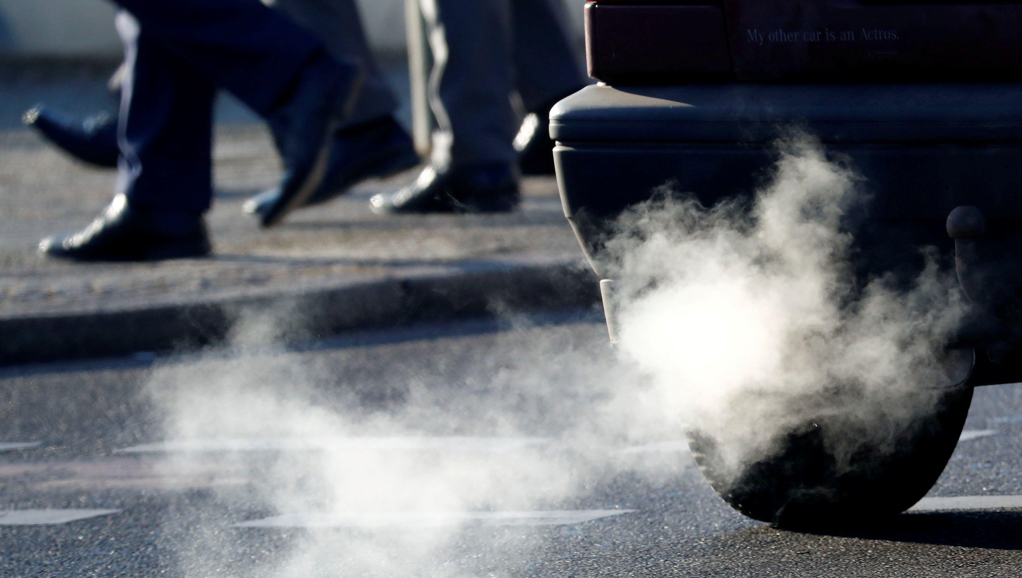 Fomento limita por primera vez la velocidad en una autopista para luchar contra la contaminación