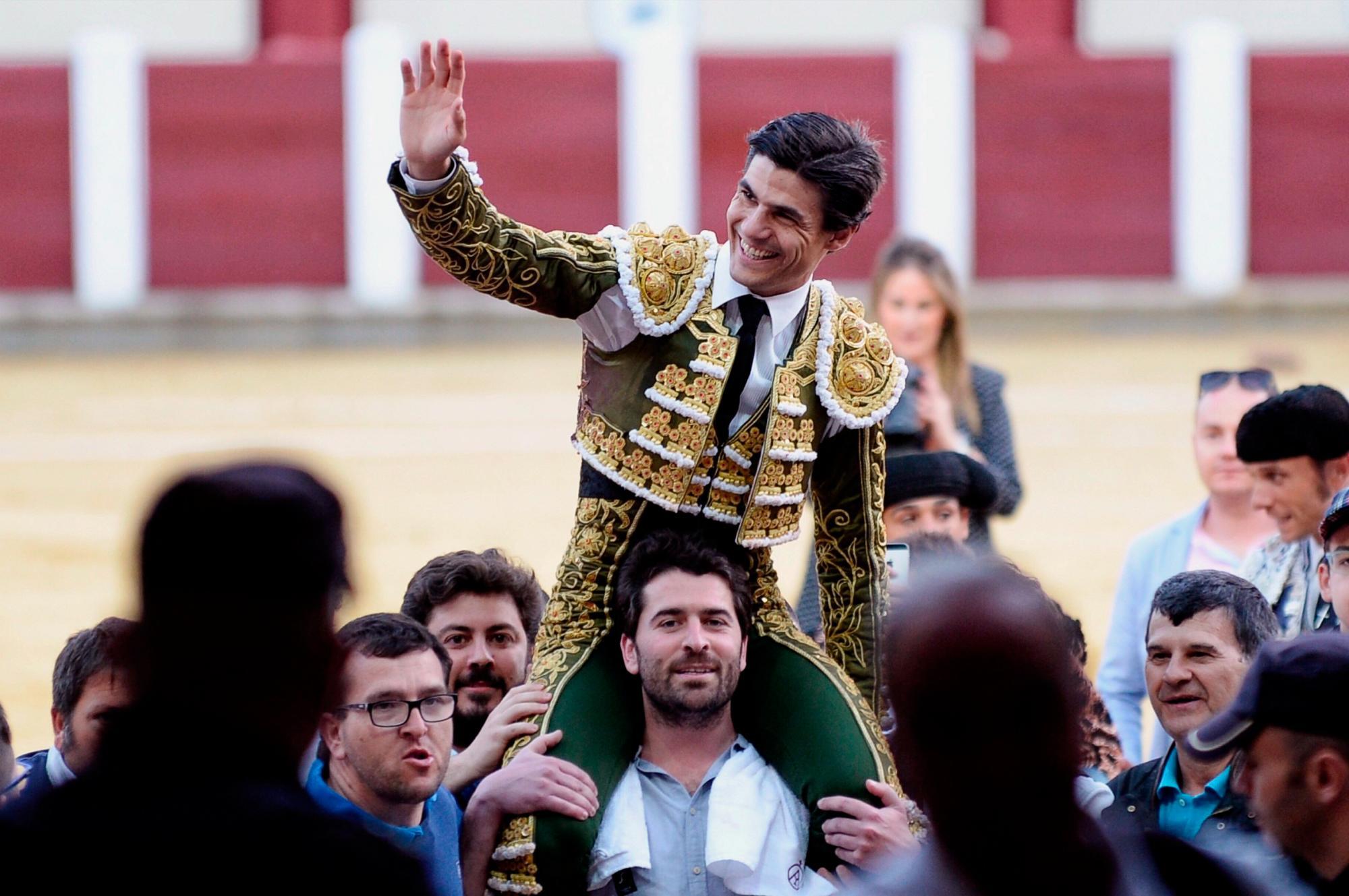 Morante, Manzanares, Aguado y Cayetano, en el festival de los cirujanos taurinos