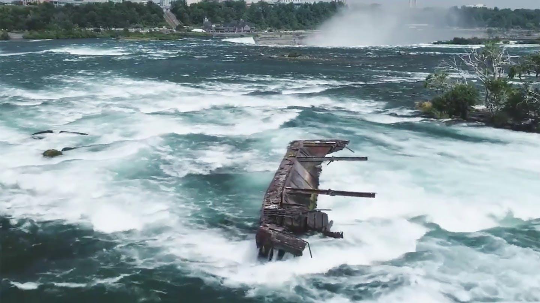 Un barco de hace más de 100 años aparece en las Cataratas del Niágara