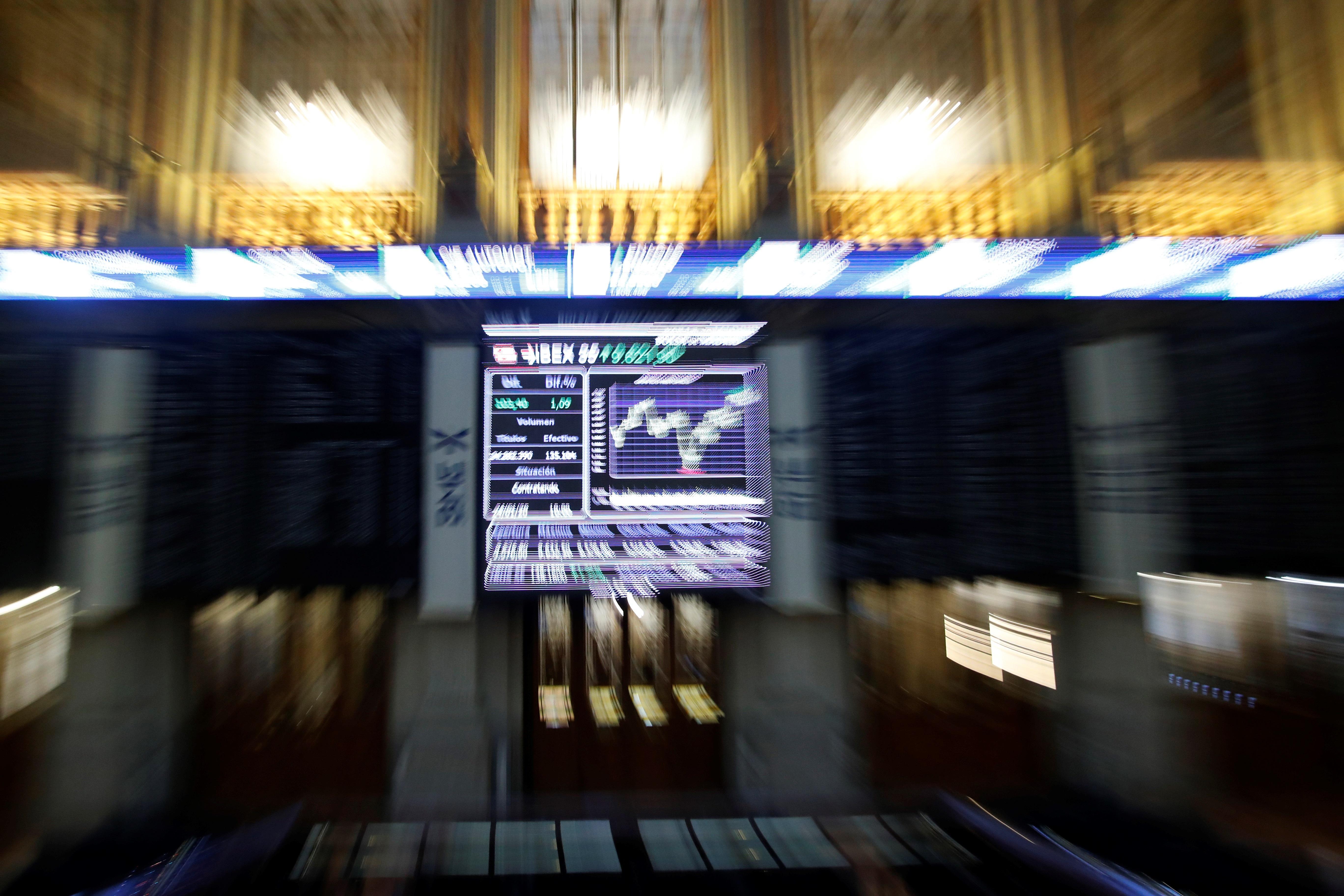 Bolsa Madrid: Fuerte caída del Ibex 35, que cotiza en mínimos anuales tras caer un 1,92%