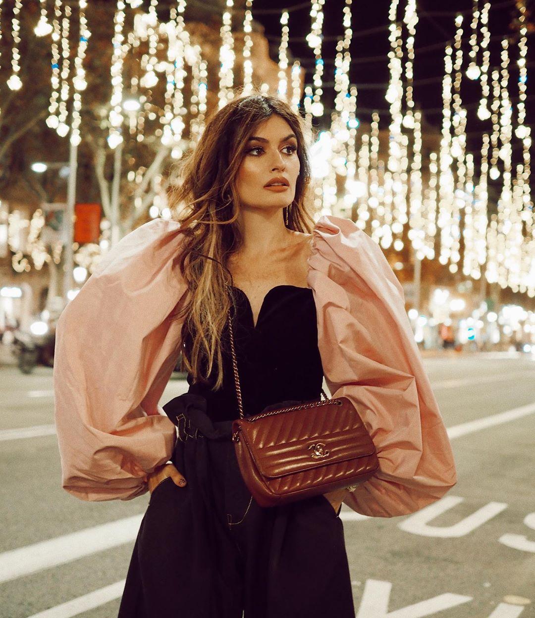 Este es el top viral de Zara que vas a llevar estas navidades