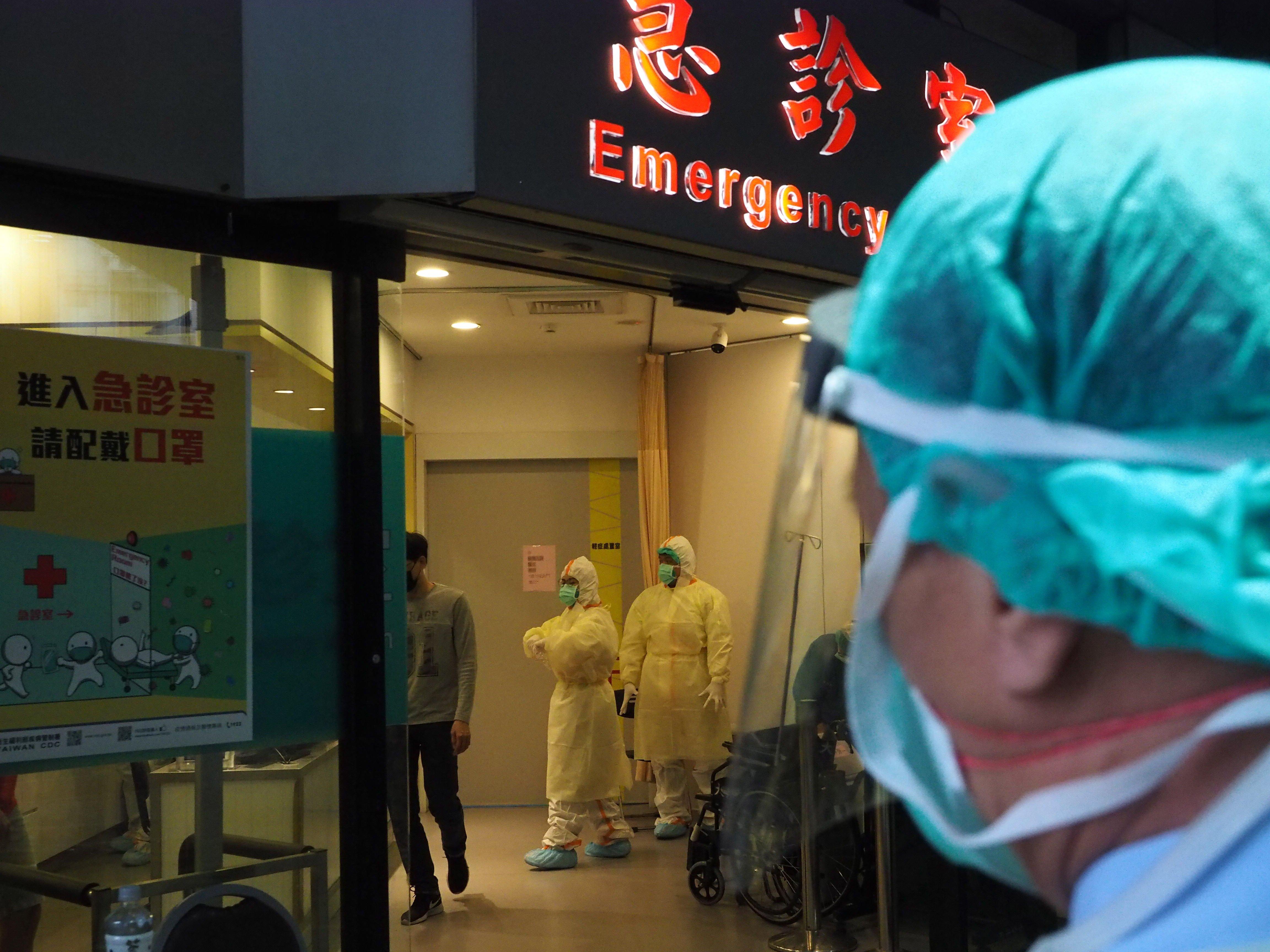 Supercontagiadores: levantar dos hospitales en 10 días para aislar a los pacientes sin síntomas