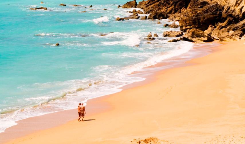 Descubre las 5 mejores playas nudistas de Cádiz