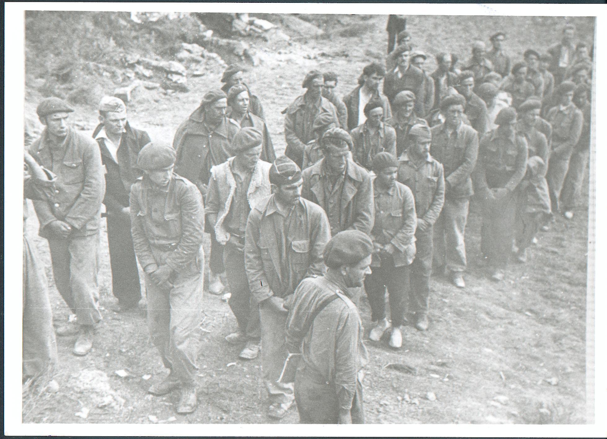 Prisioneros franquitas durante la Guerra Civil española tras la Batalla del Ebro.