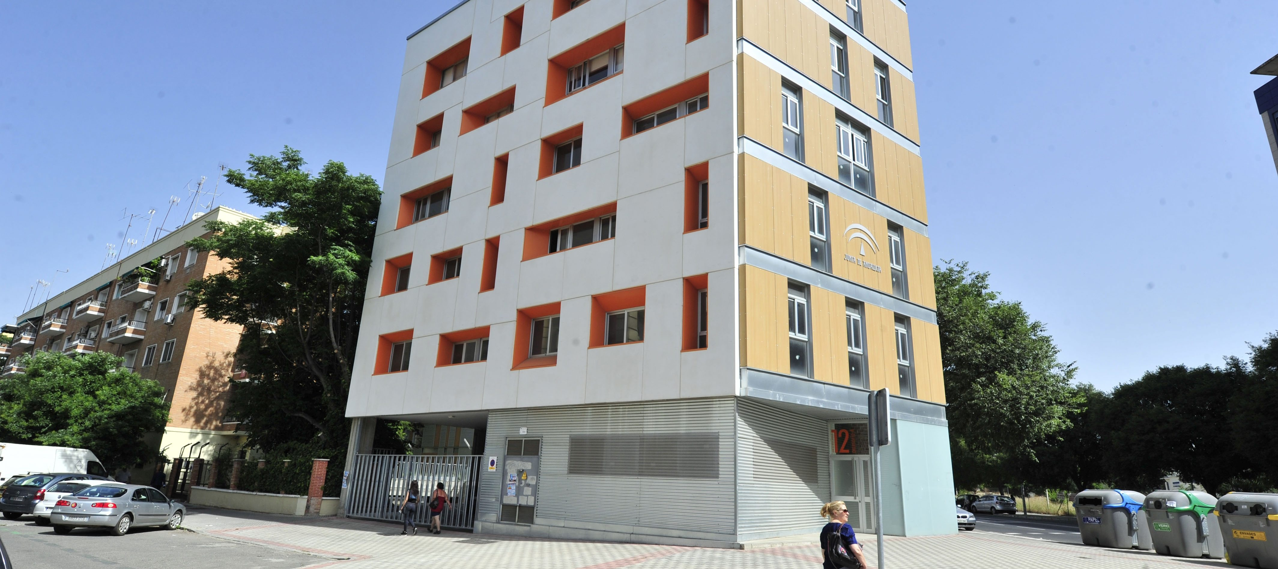 Un desahucio cada día para liberar viviendas sociales de los ocupas