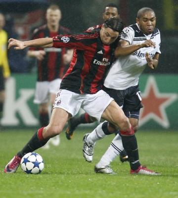 El Tottenham deja al Milan al borde del adiós (0-1)