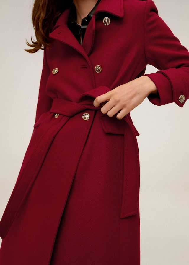 Este es el abrigo más elegante de Mango para Nochebuena